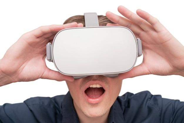 Jonge man van virtual reality.