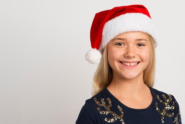 Jonge meisje het glimlachen exemplaarruimte