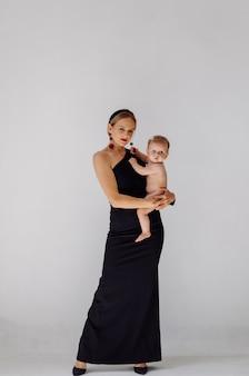 Jonge moeder en haar mooie dochter