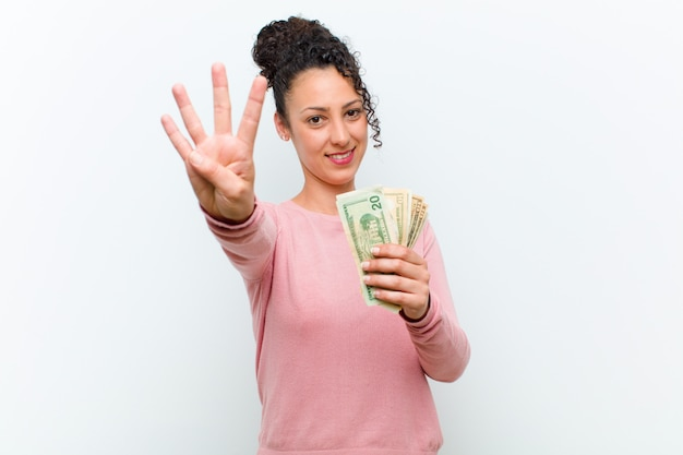 Jonge mooie vrouw met bankbiljetten