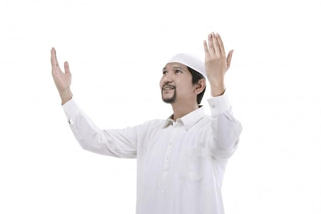 Jonge moslimmens bidden