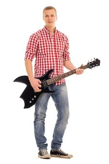 Jonge muzikant met een gitaar