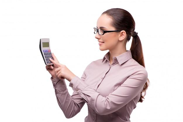 Jonge onderneemster met calculator die op wit wordt geïsoleerd