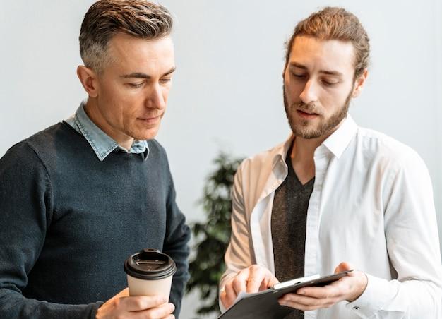 Jonge ondernemers werken