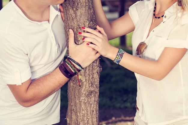 Jonge paar in liefde