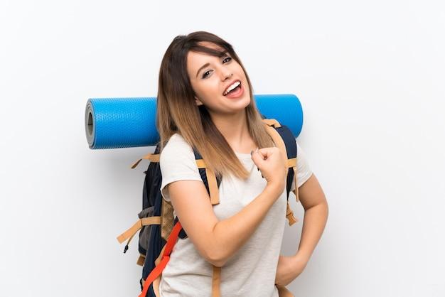 Jonge reizigersvrouw over witte achtergrond