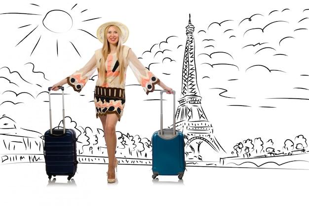 Jonge vrouw die naar parijs reist