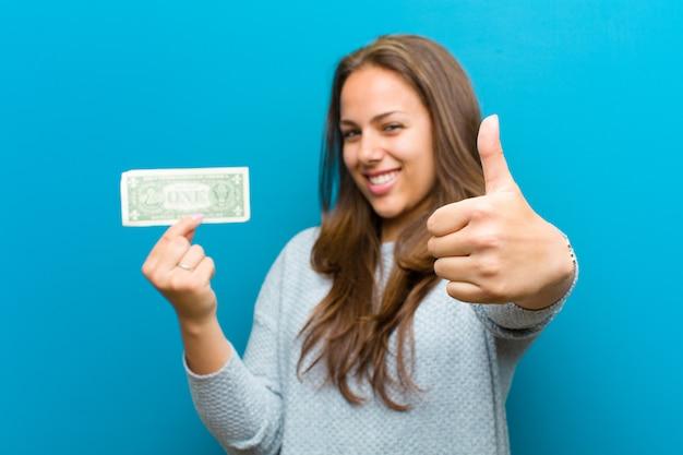 Jonge vrouw met rekeningen