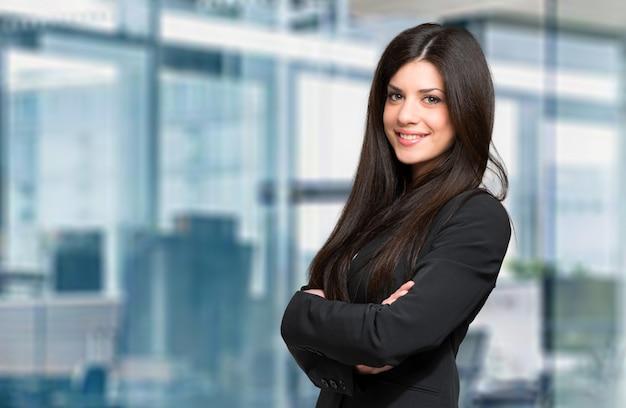 Jonge vrouwelijke manager