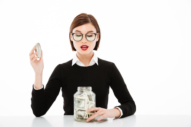 Jonge zakenvrouw portret met geld
