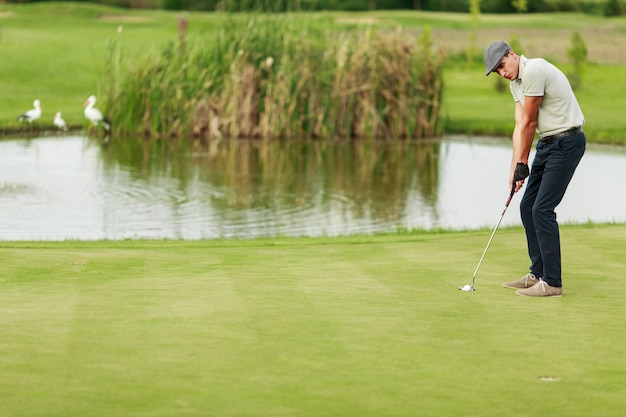 Jongeman golfen