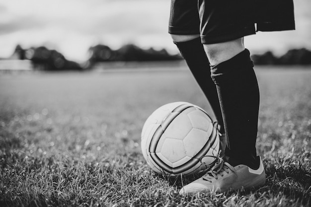 Junior voetballer op het veld