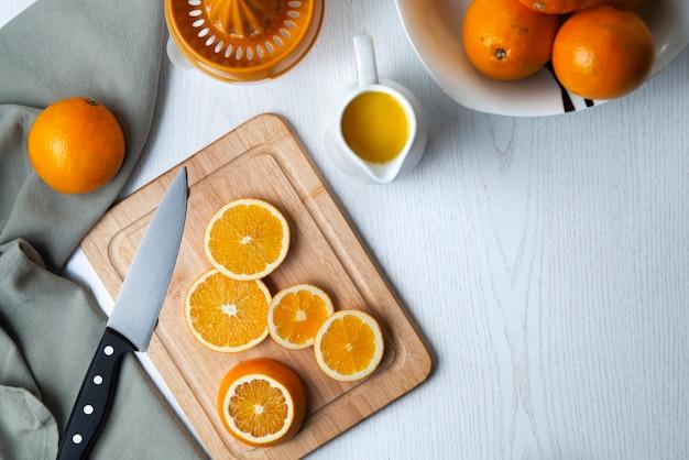 Jus d'orange gezond ontbijt in de ochtend