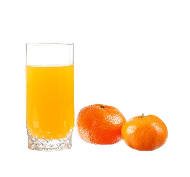 Jus d'orange in een glas met mandarijn