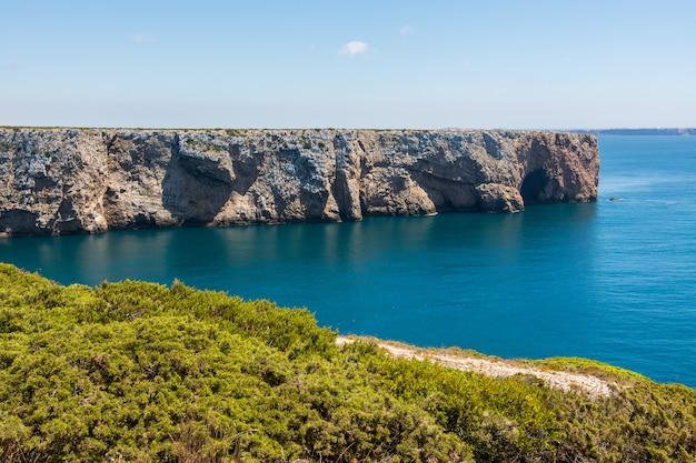 Kaap saint vincent in de algarve, in de buurt van sagres in portugal