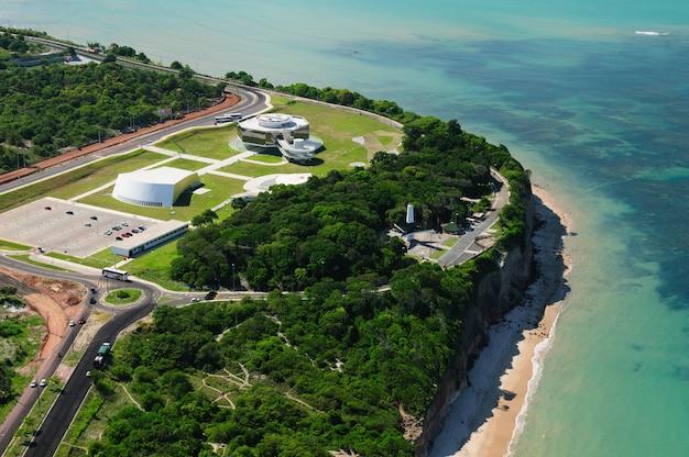 Kaap wit wetenschap cultuur en kunst station joao pessoa paraiba brazil op 19 maart 2009 Premium Foto