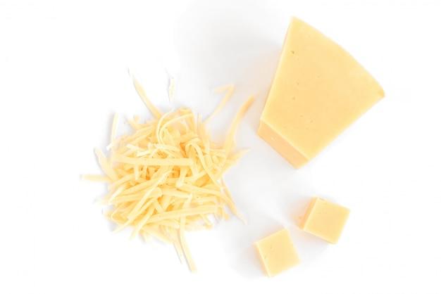 Kaas geïsoleerd op een witte ruimte.