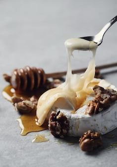 Kaas met gesmolten binnenkant