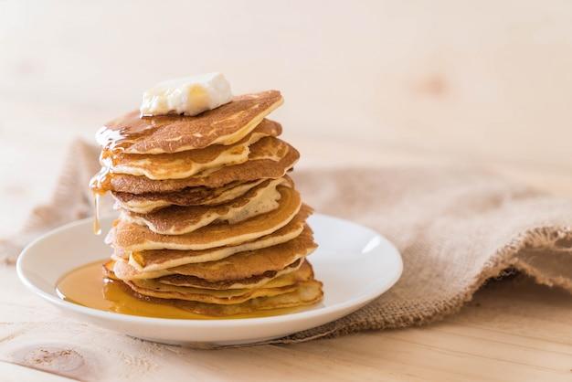 Kaas op pannenkoek met honing