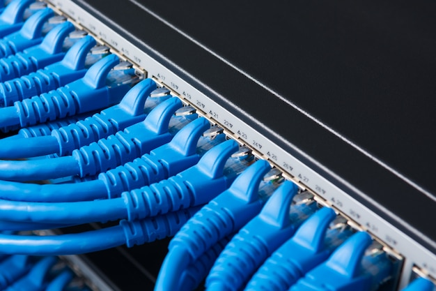 Kabel patchkabel en schakelhub, lan concept