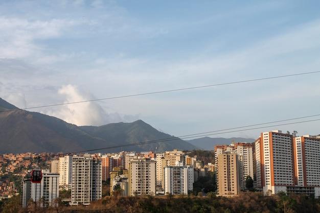 Kabelbaan van palo verde in caracas, venezuela wordt gezien dat