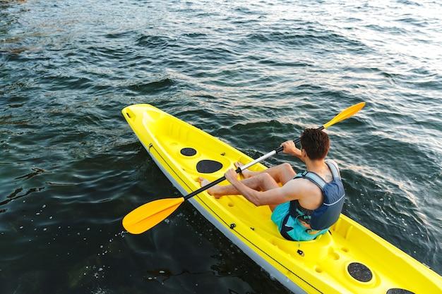 Kajakken, kanoën, peddelen