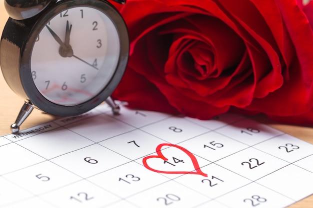 Kalender met rode markering op 14 februari