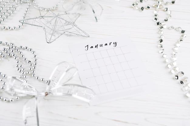 Kalenderpagina op nieuwjaarstabel