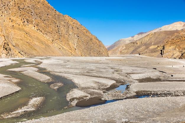 Kali gandaki-rivier, jomsom, mustang-gebied himalayagebergte nepal