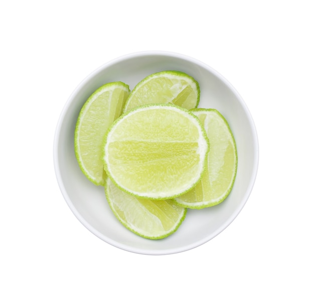 Kalkfruit in kom op wit