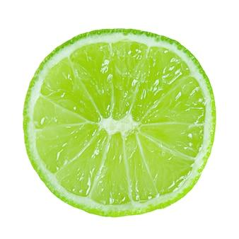 Kalkplak geïsoleerd zonder schaduw. citrus, tropisch