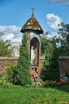 Kamai, versterkte kerk van st. johannes de doper., wit-rusland, district myadzyel