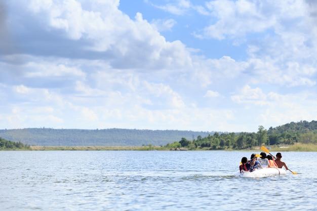Kanoën met vrienden in de rivieren