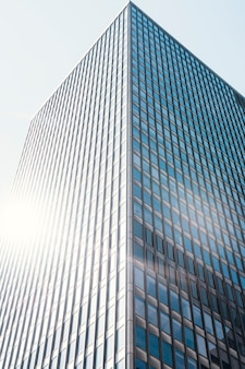Kantoor hoge stijging glazen gebouw