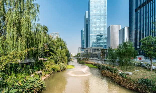 Kantoorgebouw van moderne stedelijke gebouwen in china