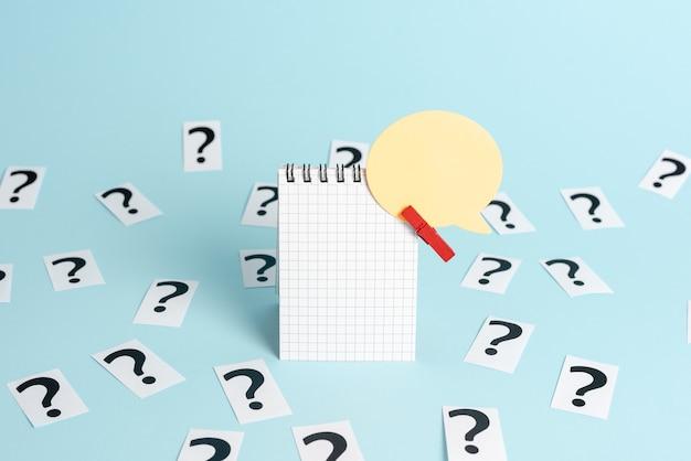 Kantoorinformatieverwerking, workshop probleemoplossende oplossingen, brainstormen werkideeën problemen, werkplekcommunicatie, leren bedrijfsstrategieën