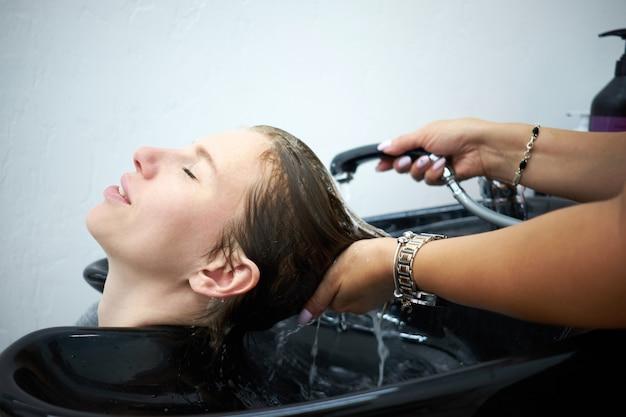 Kapper haar wassen