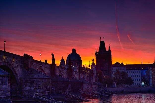 Karelsbrug voor zonsopgang