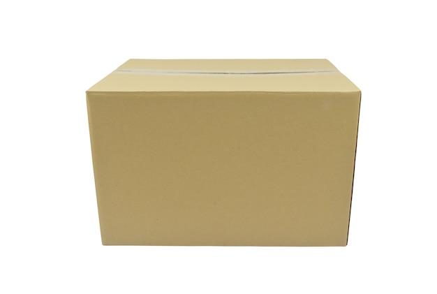Kartonnen doos geïsoleerd op een witte achtergrond met uitknippad voor gemakkelijk gebruik
