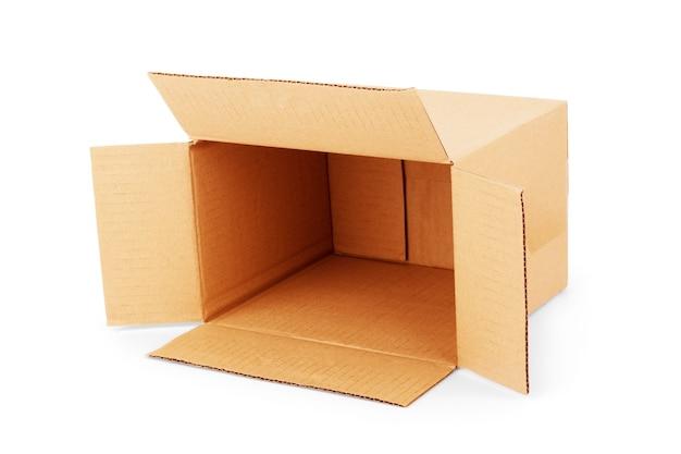Kartonnen doos geïsoleerd op wit