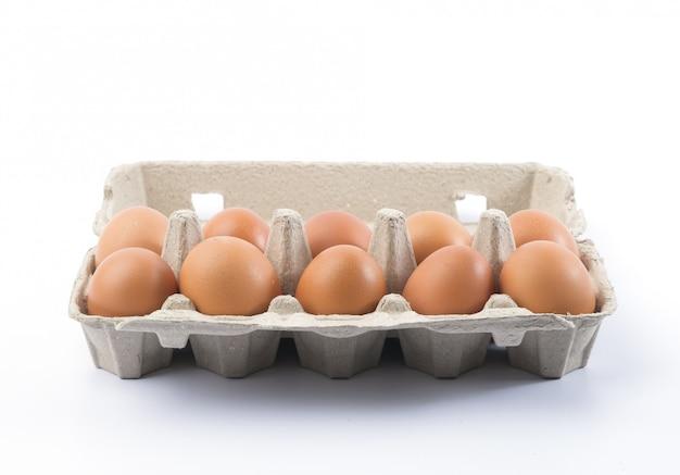Kartonnen eierrekje met eieren