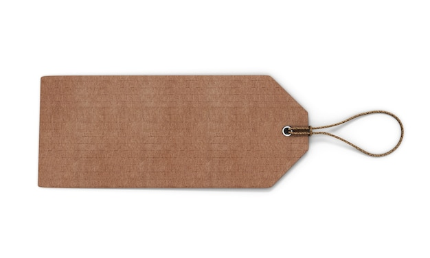 Kartonnen label geïsoleerd op wit. lege kartonnen tag gebonden met bruin koord. 3d-weergave.