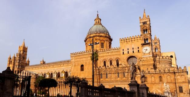 Kathedraal kerk van palermo gewijd aan de veronderstelling van de maagd maria