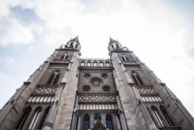 Kathedraal met twee torens