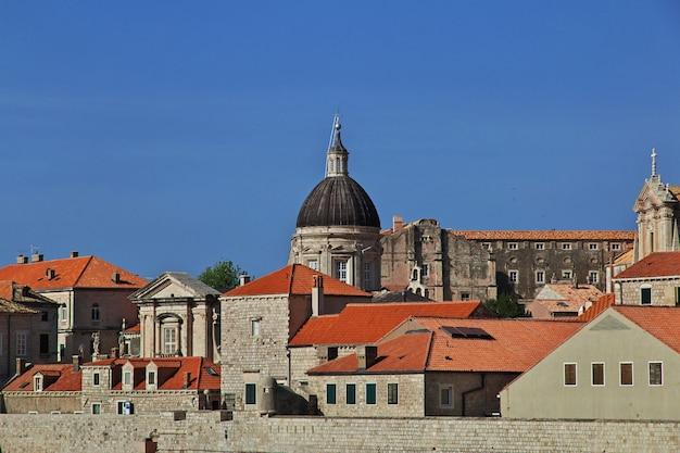Kathedraal van dubrovnik aan de adriatische zee, kroatië