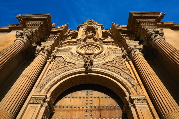 Kathedraal van guadix in granada, spanje
