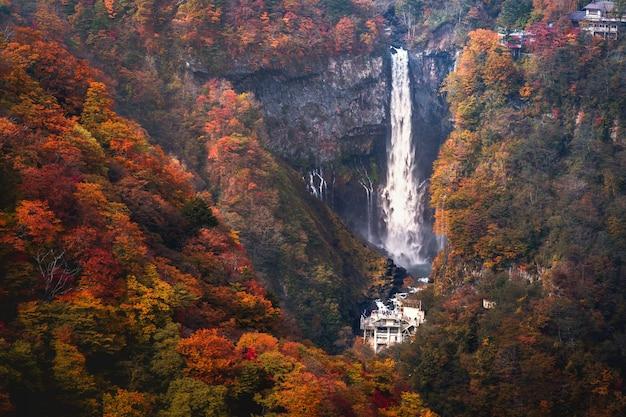 Kegon falls in de herfst