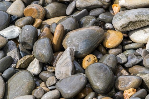 Keien op het strand