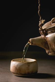 Keramische handgemaakte theepot
