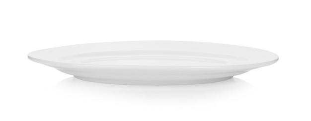 Keramische witte plaat die op wit wordt geïsoleerd